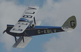 The Shuttleworth Collection (en)'s Cirrus III powered Moth. It was the eighth produced, delivered 29 August 1925 and retains the early single axle