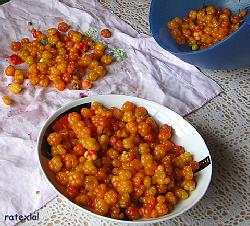 Cloudberries (3084732349).jpg