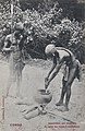 Coagulation par ébullition du latex des lianes à caoutchouc-Congo.jpg