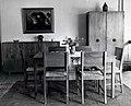 Collectie NMvWereldculturen, TM-60042249, Foto- Eetlkamer ameublement, 1945-1950.jpg