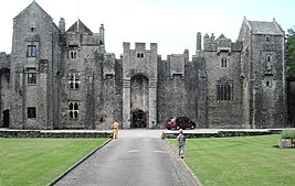 Compton Castle in Devon enh.jpg