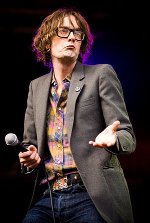 English: Jarvis Cocker performing on the main ...