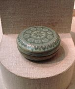 Cosmetic box, stoneware with celadon glaze, Goryeo Dynasty.jpg