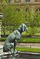 Détail fontaine de Diane chien Fontainebleau.jpg
