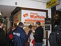 Düsseldorfer Waffel-Flashmob Juni 2011 b.jpg