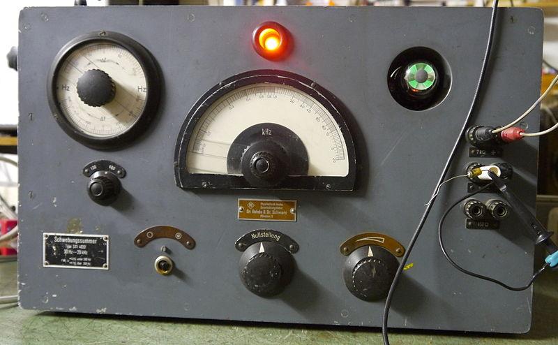 File:D 1944 Rohde und Schwarz STI4032 Frontal Large.jpg