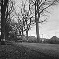 De bevolking van Roermond keert naar huis terug op Amerikaanse legertrucks (hier, Bestanddeelnr 900-2276.jpg