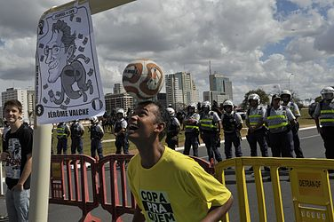 Demonstration against spending the Cup 07.jpg