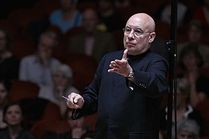 Sinfonieorchester Basel - Former chief conductor Dennis Russell Davies