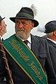 Direttore della Musikkapelle di San Candido prima della sfilata.jpg