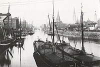 Duisburg harbour old.jpg