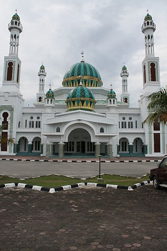 Growth of religion - The mosque of Dumai, in Riau. Indonesia has the largest number of Muslims in the world.