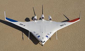 OVNI  .  Des  auréoles   volantes 330px-ED06-0198-62