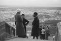 ETH-BIB-Gruppe auf einer Treppe bei Oran-Nordafrikaflug 1932-LBS MH02-13-0123.tif