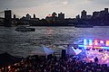 East River (29557007131).jpg