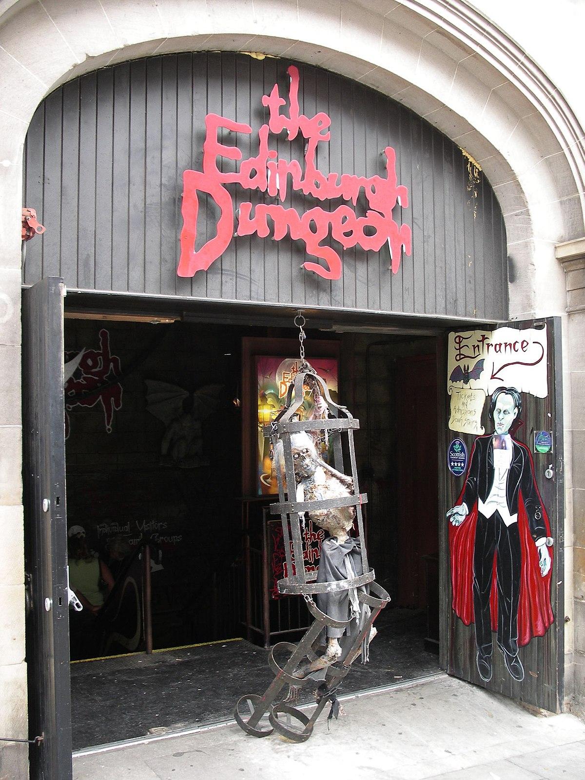 Edinburgh Dungeon 01 (223052043).jpg