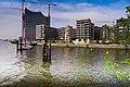 Einfahrt in den Yachthafen HAMBURG - panoramio.jpg