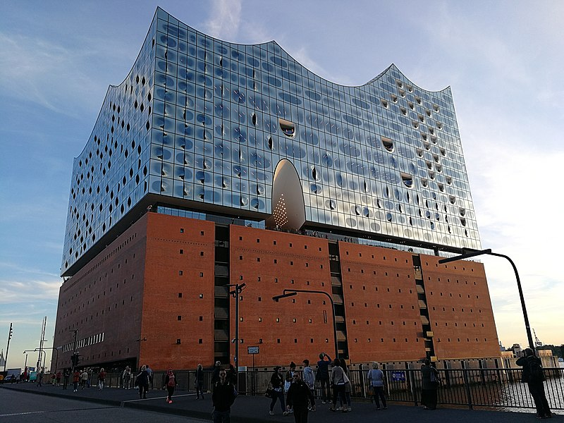 File:Elbphilharmonie, Hamburg (40333800321).jpg