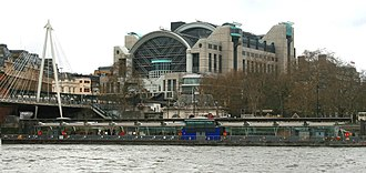 Embankment Pier - Image: Embankment pier 2