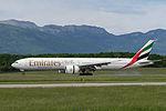 Emirates, Boeing 777-31H(ER), A6-ENG (18487549959).jpg