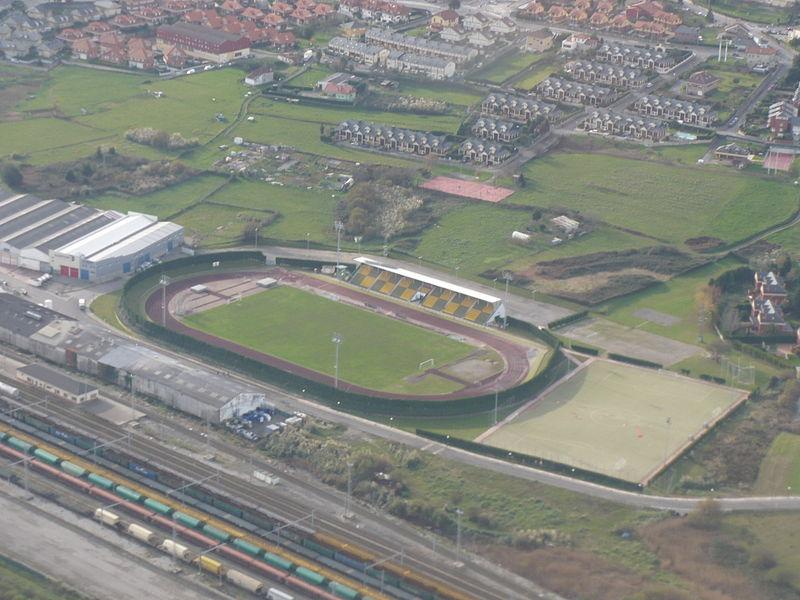 Archivo:EstadioLaMaruca.JPG