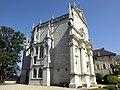 Esterno della cappella del castello dei duchi di Savoia dove era custodita la Sindone al momento dell'incendio del 1500 - panoramio.jpg