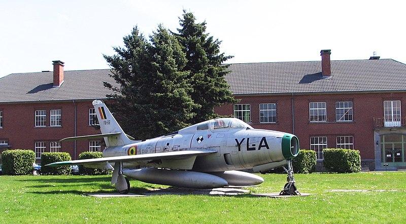 tout petit, tu ressemblais à quoi ? - Page 8 800px-F-84F_of_Belgian_Air_Force