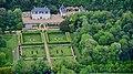 F - Pocé-sur-Cisse, Route de Limeray 004, Château de Fourchette, Mick Jagger.jpg