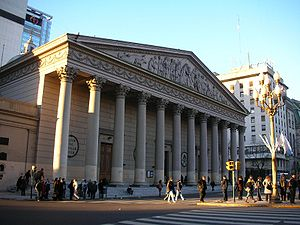 Buenos Aires Metropolitan Cathedral - Main façade of the cathedral. Note the absence of towers, the Classical portico and the high dome