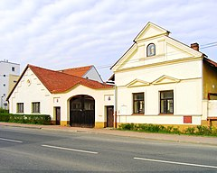 Farmhouse, Prague Kolovraty.jpg