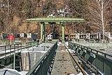 Ferlach Ressnig ÖDK-Flusskraftwerk Staumauer-Krone mit Portalkran 28012017 6238.jpg