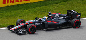McLaren MP4-30 - Image: Fernando Alonso 070615