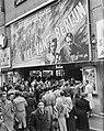 Film De Val van Berlijn in bioscoop Royal te Amsterdam betreft Russische fil…, Bestanddeelnr 904-3433.jpg