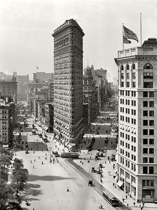 Flat Iron Building, New York 1909