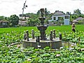 Fontaine et fleurs de lotus à Ubud - panoramio.jpg