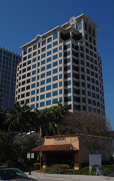 File:Fort Lauderdale-Suntrust.jpg