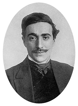 Fortunino Matania - A photograph of Fortunino Matania published in The Sphere  in 1915
