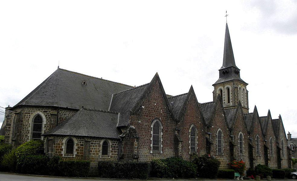 Église de l'Immaculée-Conception de Fougerolles-du-Plessis (53).