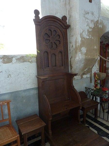 Église de Saint-Loup, Manche, France. Chaise du curé.