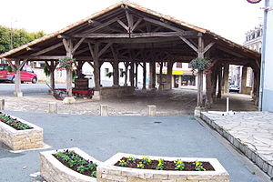 Pamproux - The covered market in Pamproux
