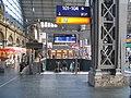 Frankfurt Hauptbahnhof downstairs to S-Bahn 0287.jpg