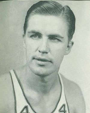 Fred Pralle - Pralle with the Phillips 66ers.