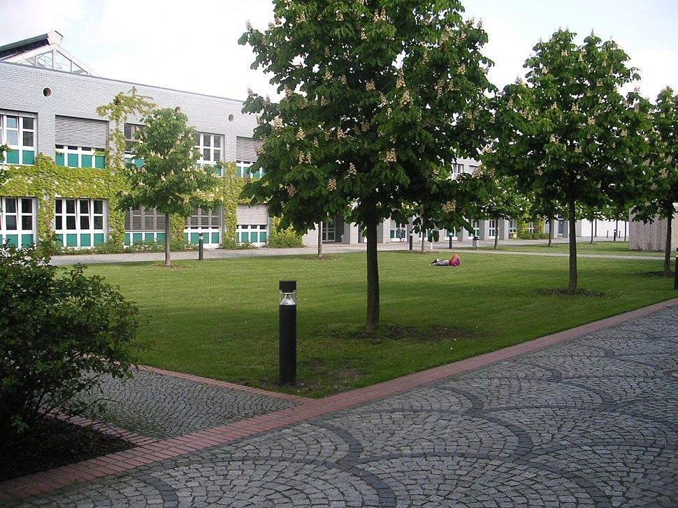Freie Universitaet Berlin - Institut fuer Informatik