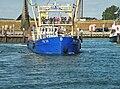 Garnalenvissersboot TX10 vaart uit.jpg