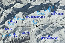 Gasherbrum group summits and glaciers marked.jpg