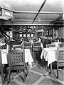 Gedekte tafels in de eetzaal van een schip, Bestanddeelnr 189-1026.jpg