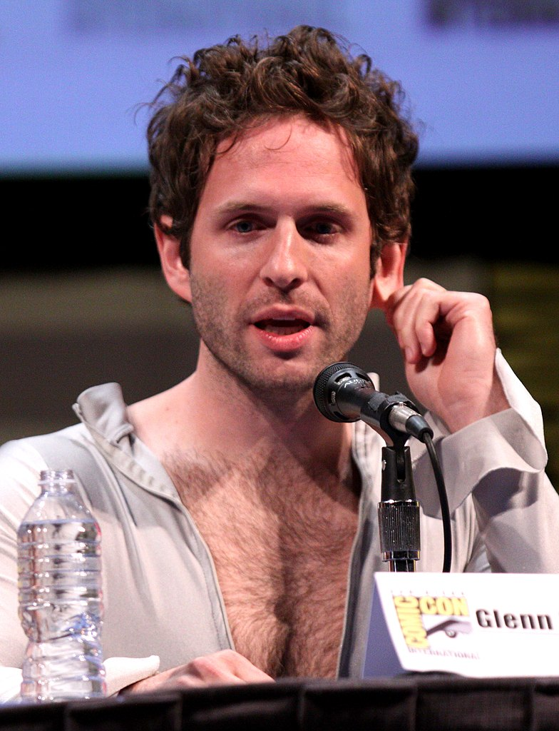 glenn howerton height