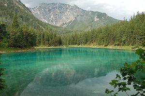 Grüner See (Styria) - Grüner See (Green Lake) against Meßnerin in May 2007