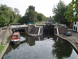 Grand Union Canal, Batchworth Lock, Rickmansworth - geograph.org.uk - 69120.jpg