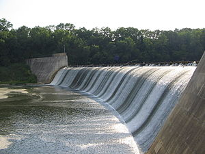 Griggs Dam - View of the dam from the Eastern bank